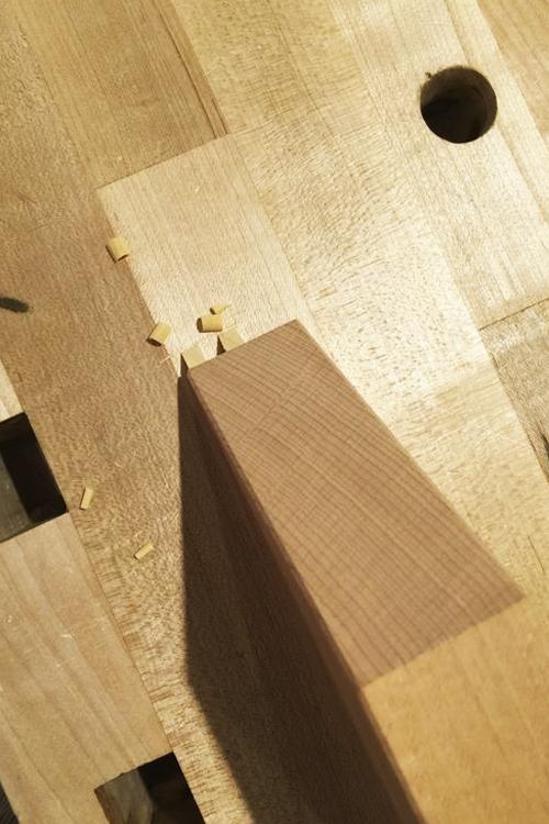 Những phương pháp truyền thống trong thi công thường dùng phương pháp ghép mộng gỗ