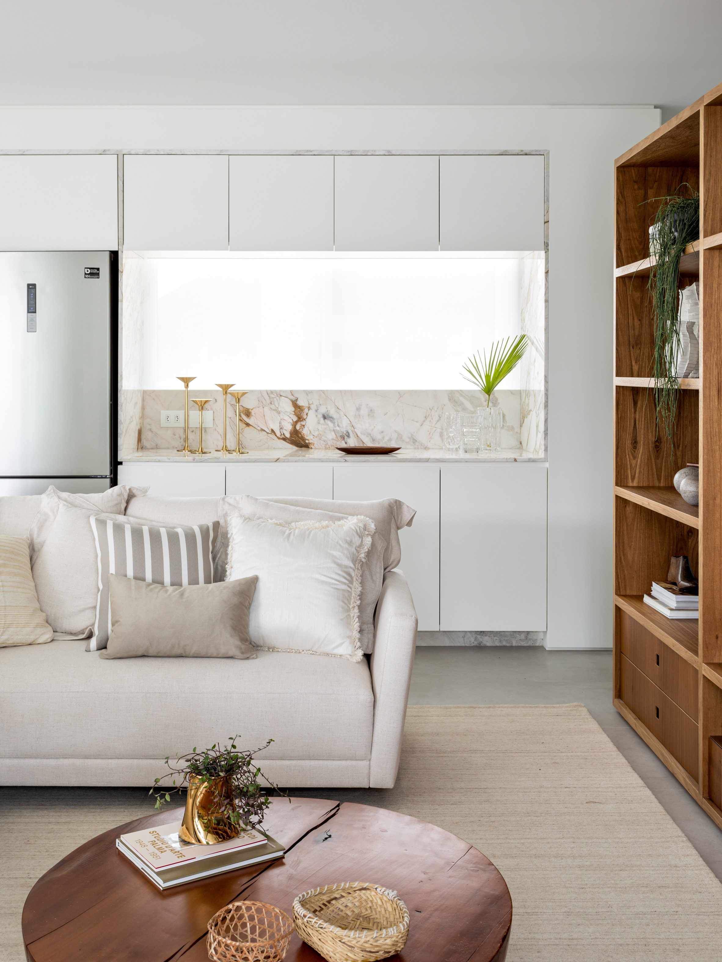 praia mansa apartment leandro garcia interiors brazil dezeen 2364 col 2 1
